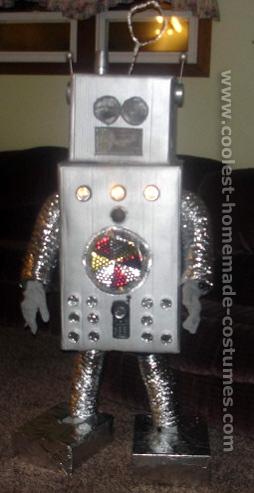 Костюмы робота из коробки своими руками для