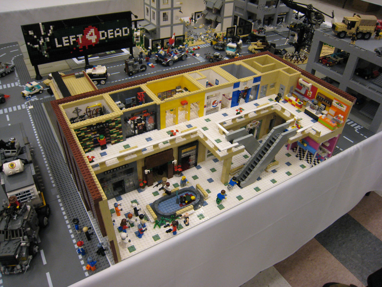 More custom lego figures blunt productions - Comment faire une ville lego city ...
